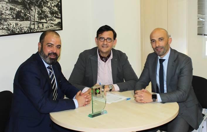 Das seguros y el colegio de Malaga renuevan colaboración